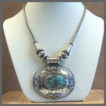 Traditional Indian Oval Pendant Necklace with Turquoise